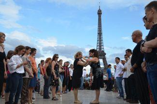 Les Soeurs Bustelo lors du lancement du Tandem Paris-Buenos Aires